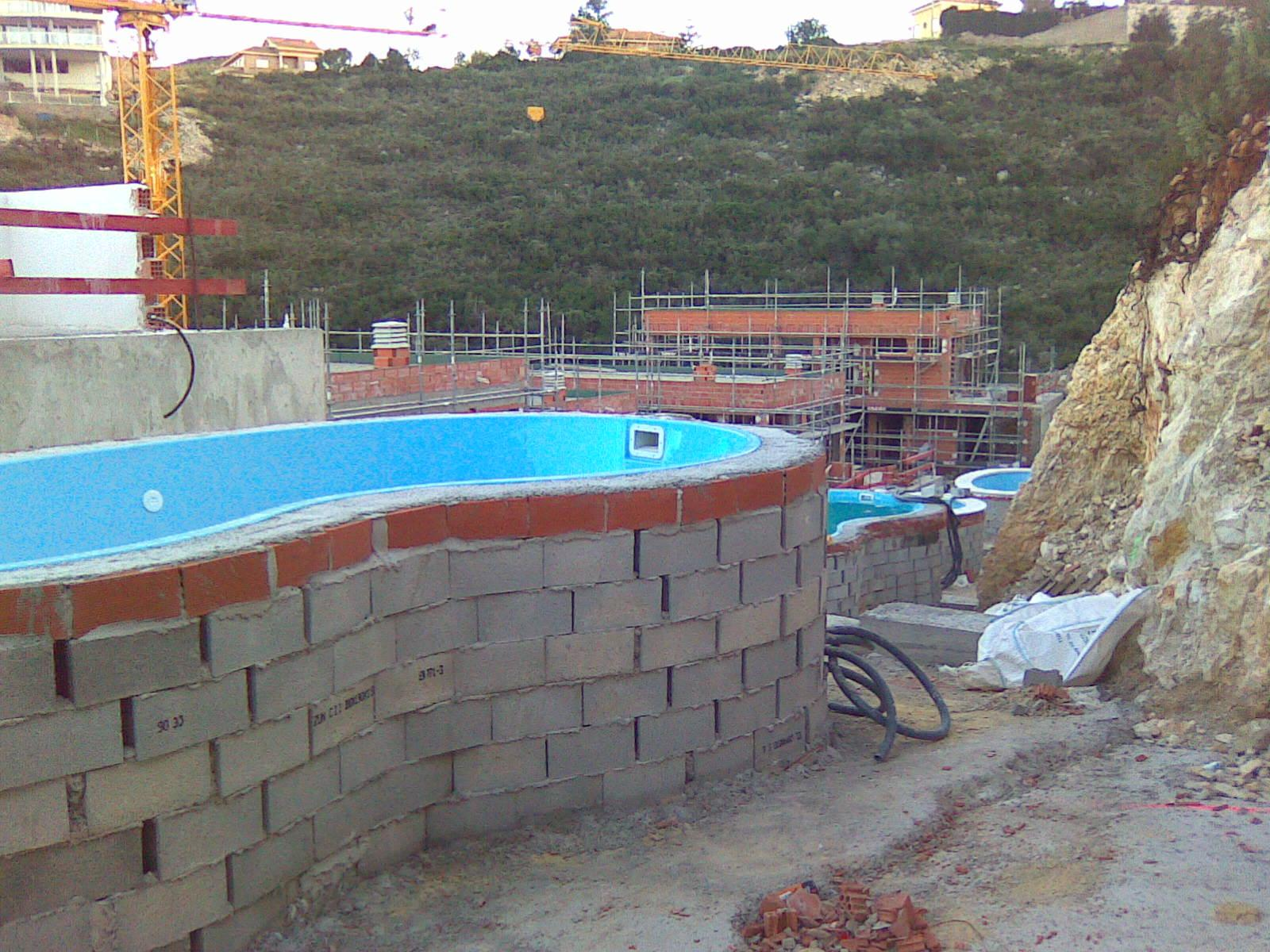 Como se hace una piscina de obra cheap latest video de for Como se hace una piscina