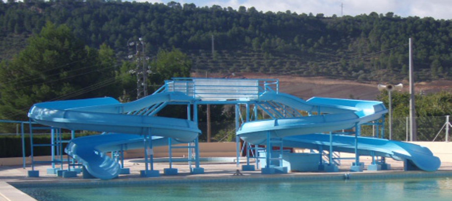 Accesorios para piscinas prefabricadas de poliester con for Ver piscinas grandes