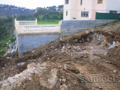 Muro perimetral, preparación del terreno y solera.