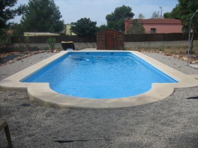 Piscinas de fibra de vidrio piscinas de fibra for Vidrio para piscinas