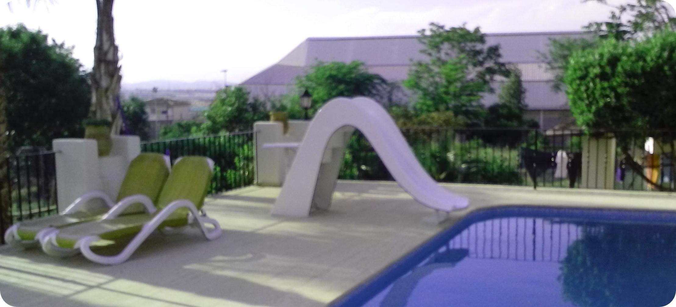 Accesorios para piscinas prefabricadas de poliester con for Precio de piscinas hinchables